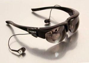 Polisi China Pakai Kacamata Pendeteksi Wajah Untuk Memantau Turis Perangkat tersebut berupa kacamata yang digunakan oleh petugas yang dilengkapi dengan teknologi pengenal wajah.